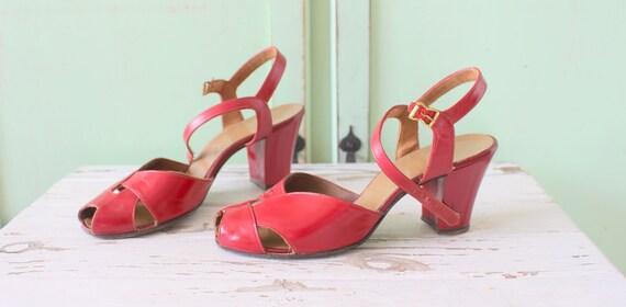 1960s Burgundy Cranberry Peep Toed Heels...open to