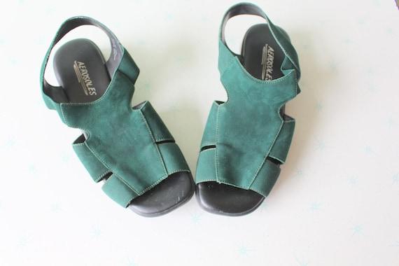 Vintage GREEN AEROSOLES Leather Boho Flats....size