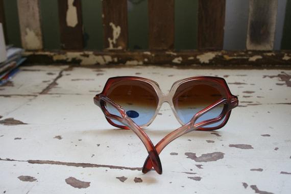 1970s RETRO MOD Sunglasses..twiggy. womens eyewea… - image 4