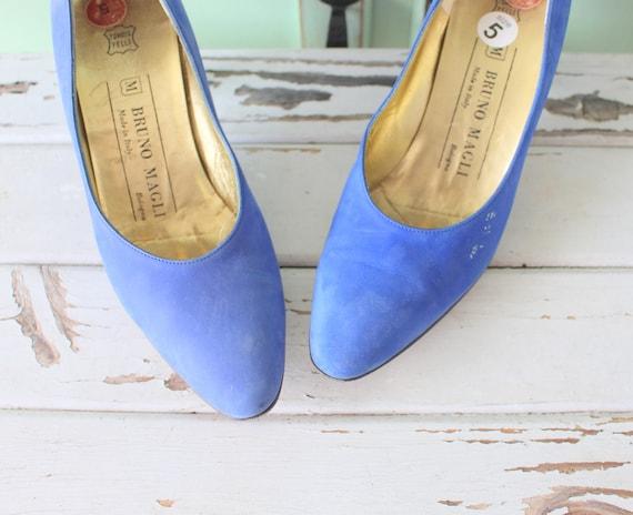 Vintage DESIGNER SUEDE Heels.designer. suede. shoe