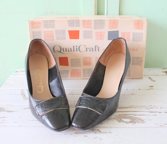1960s MAD MEN Black Classic Heels....size 6.5 wome