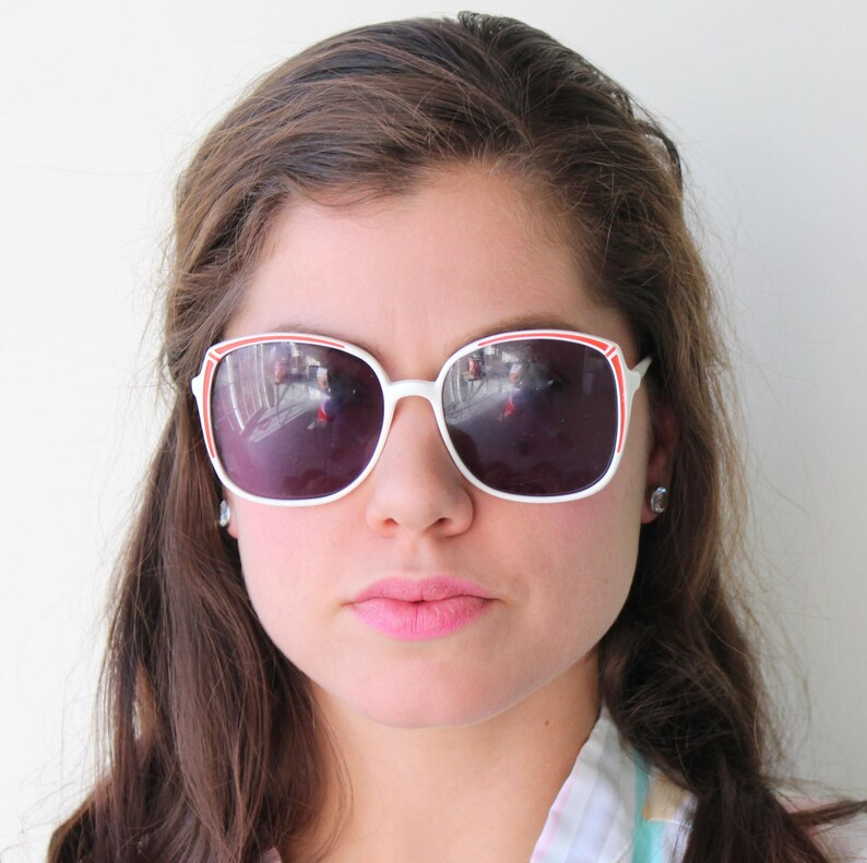 77a40aacfd2 Vintage MOD GIRL Sunglasses...rare. womens eyewear.twiggy.
