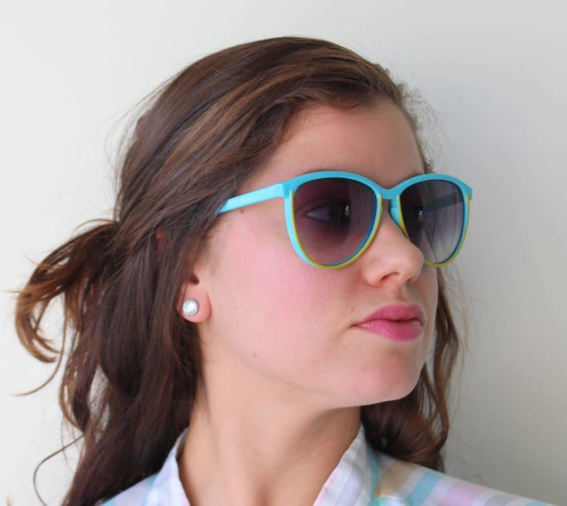 542f7cbd473e Vintage TAIWAN ROC Sunglasses. hip. blue. atomic. retro.