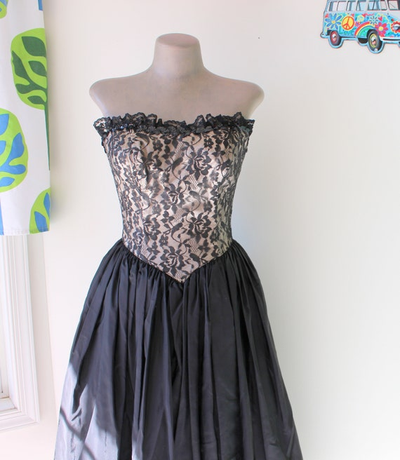 Vintage BLACK LACE Dress....size small to medium..