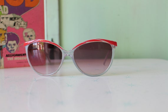 Vintage Made in Taiwan ROC Red Sunglasses...NOS. … - image 4