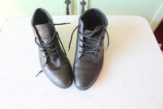 Vintage INDIE Mod Designer Boots...size 6.5 womens