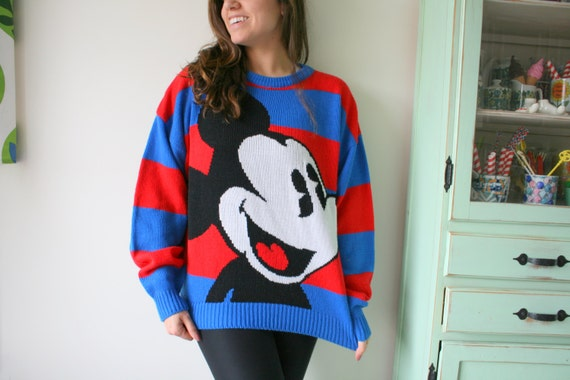Vintage MICKEY  MOUSE Sweater...walt disney. minni