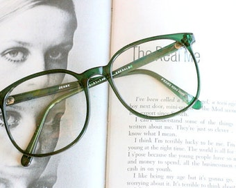 Vintage JACKIE O Glasses....emerald. new old stock. classic. groovy. twiggy. mod. retro glasses. librarian. secretary. woodstock. oversized