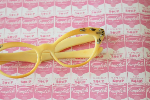 Vintage 1950s 1960s Perfect CAT EYE Sunglasses..fa