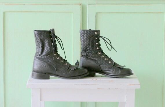 Vintage CAPEZIO Boots...size 5 6 womens....black l