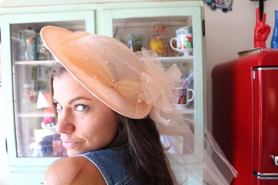 Vintage Mid Century Hat...peach. pill hat. straw h