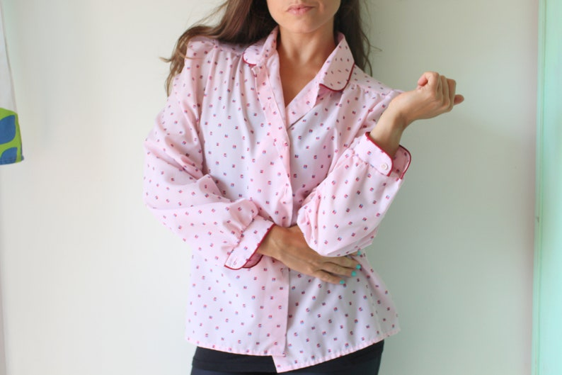 mad men cranberry 1960s urban mod 1970s Vintage Geometric Blouse....size medium womens....pink and red granny vintage blouse ladies
