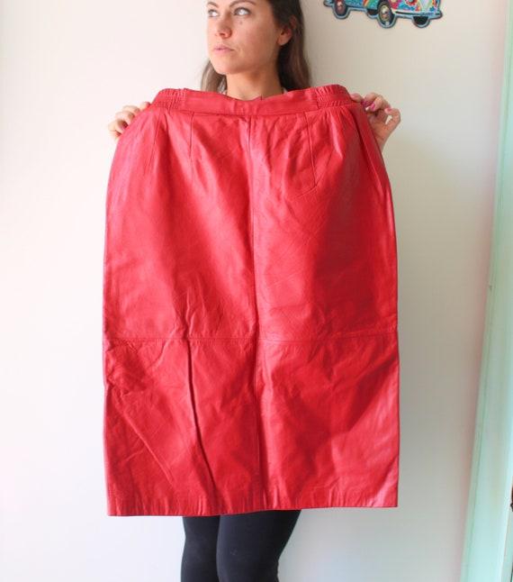 Vintage RED LEATHER Pencil Skirt...size medium...r