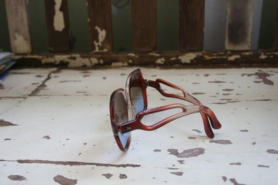 1970s RETRO MOD Sunglasses..twiggy. womens eyewea… - image 3