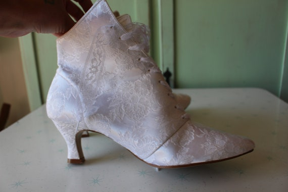 1980s WHITE LACE Witch Boots...size 9 womens...go… - image 7