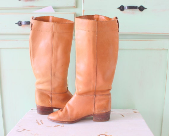 1980s Vintage TAN LEATHER Mod Girl Boots...size 6.