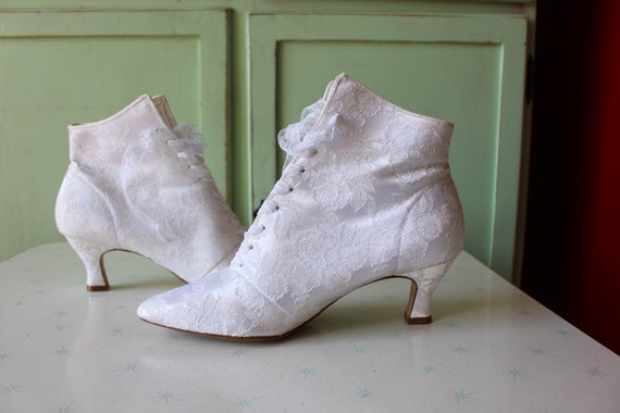 1980s WHITE LACE Witch Boots...size 9 womens...go… - image 3