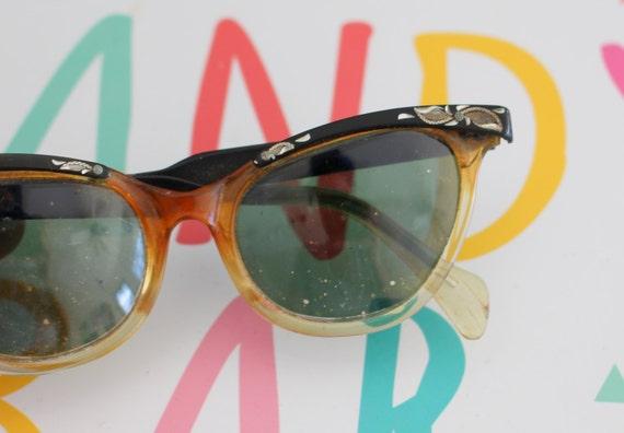 1950s 1960s Vintage CAT EYE Sunglasses..vintage ey