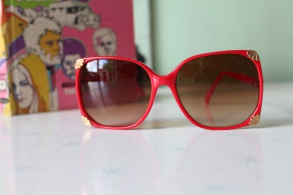 1970s Vintage RED Mod Sunglasses...retro. colorfu… - image 5