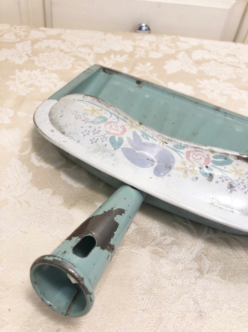 70s Jadeite Mint Green Dust Pan Dutch Kitchen Accent By Ballonoff Home Products USA Made In Louisville Sharp Lip For A Real Clean J V REED