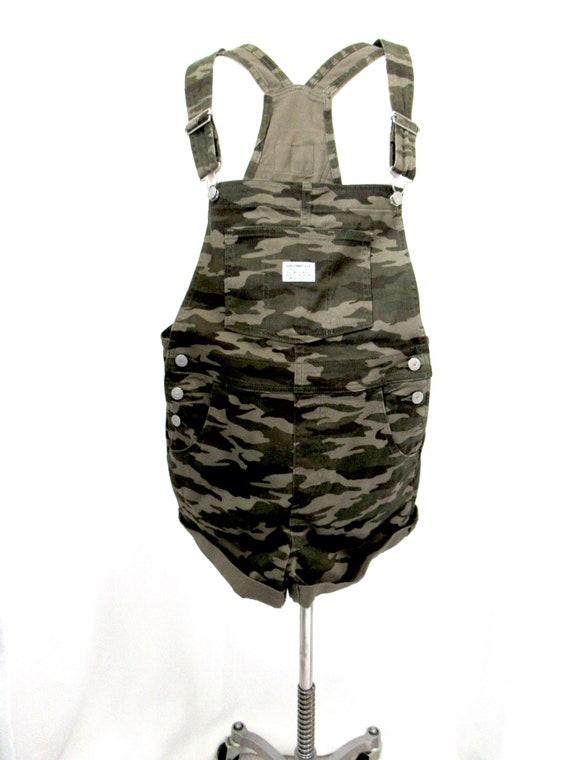 Vintage Levis Camo denim short overalls S. camoufl