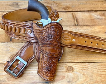 """3.10 to Yuma Hand of God Rig, Colt SA 5 1/2"""" 45LC, fully lined. Made to Order"""