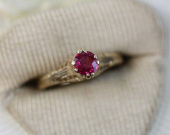 7709767add09 Antique 18K Yellow Gold Ruby Ring Filigree Solitaire Gorgeous Luxury (4.75)