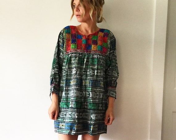Vintage Guatemalan Ikat Top , Embroidered Ethnic Top , Guatemalan Huipil Blouse