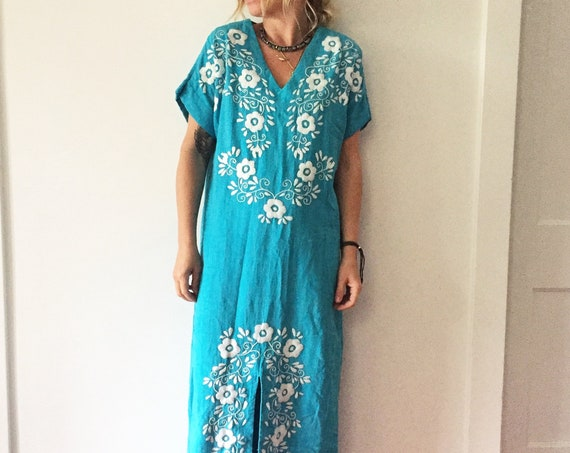 Vintage 70s OAXACAN Hand Embroidered Maxi Kaftan,  Mexican Maxi Dress