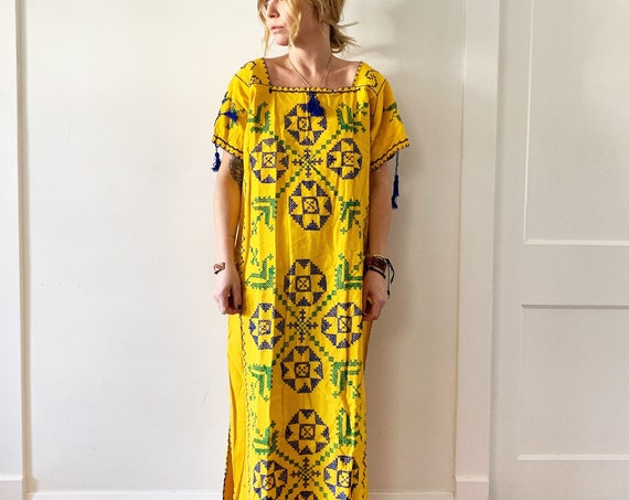 Vintage Hand Embroidered Mexican Dress , Ethnic Tunic