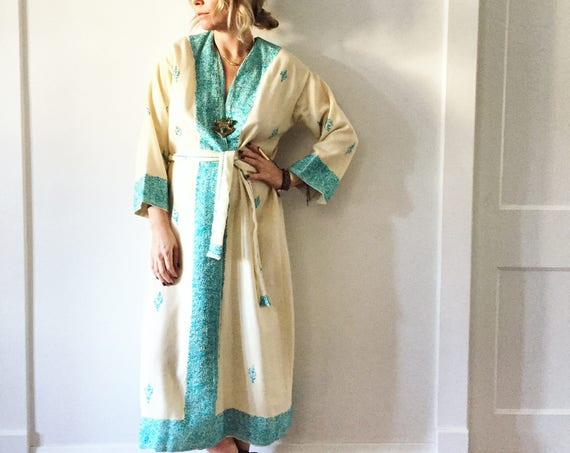 Vintage Romanian Embroidered Wool Wrap Dress , Ethnic Kaftan , Wool Robe