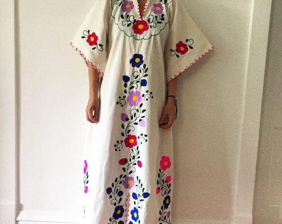 Vintage Embroidered Oaxaca Kaftan , Embroidered Mexican Maxi Dress