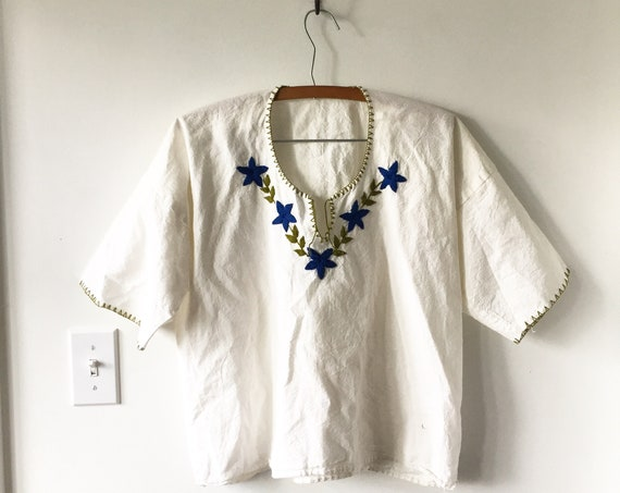 Vintage Hand Embroidered Mexican Blouse , BOHO Blouse , Ethnic Top