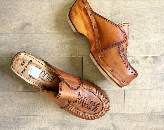 Vintage 70s Wooden Leather Clogs sz 6 DEADSTOCK