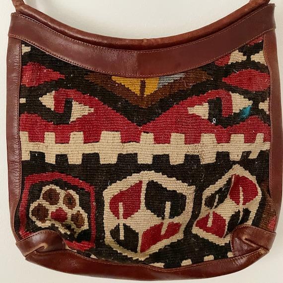 Vintage round bag,round bag,crossbody purse,leather bag,vintage carpet bag,kilim bag,vintage shoulder bag,Vintage handbag,turkish kilim bag