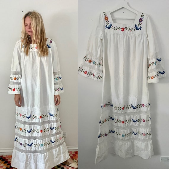 Vintage Laced Embroidered Mexican Cotton Dress , Hand Embroidered White Kaftan , Mexican Maxi Kaftan , Embroidered Mexican Wedding Dress
