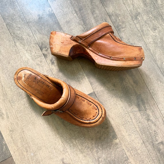 Vintage 70s Wooden Leather Clogs sz 8
