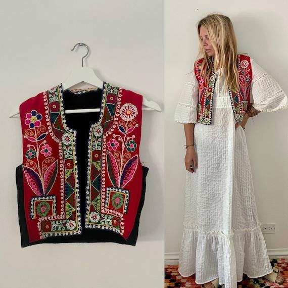 Vintage Rare Hand Embroidered Wool Peruvian Vest , Folk Ethnic Vest , Bohemian Vest