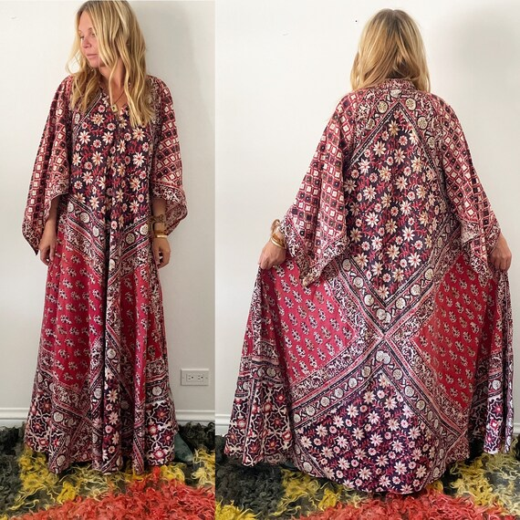 Vintage 70s PHOOL Block Print  Caftan , India Kaftan , Block Print Floral India Kaftan , Angel Sleeve Phool Maxi Dress