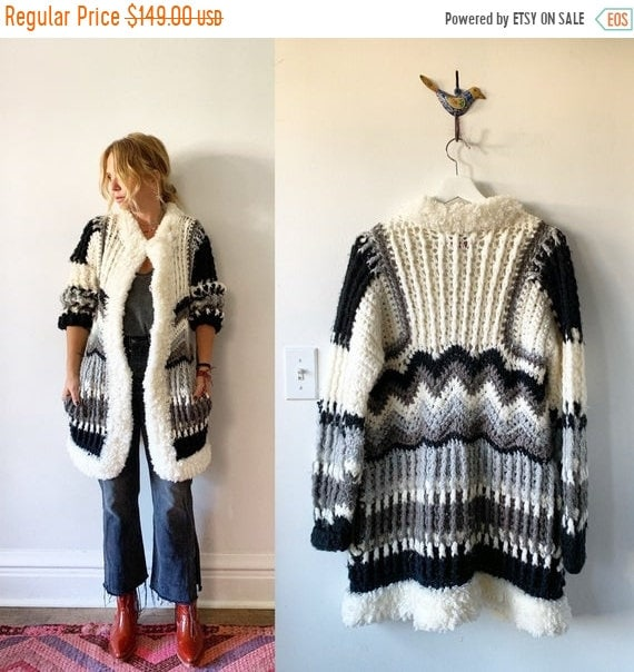 40% OFF SALE Vintage 70s Chunky Cardigan , Sweater Coat