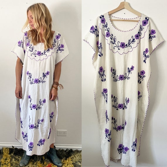Vintage Mexican Hand Embroidered Cotton Gauze Kaftan , Cotton Gauze Embroidered Kaftan , Mexican Caftan
