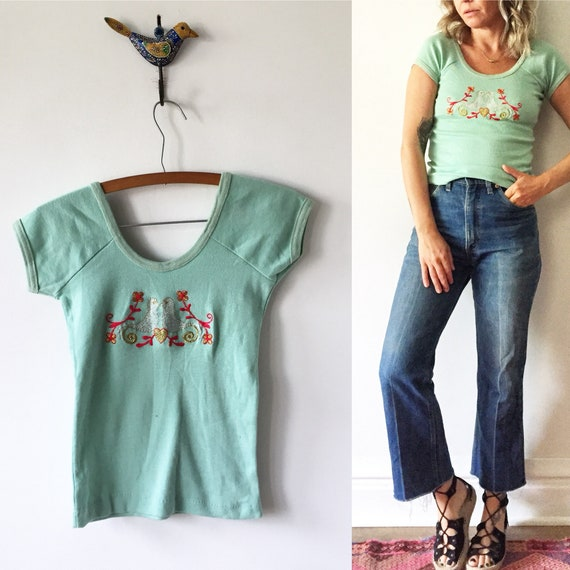 Vintage 70s Tee , Fitted T Shirt , Embroidered Tee