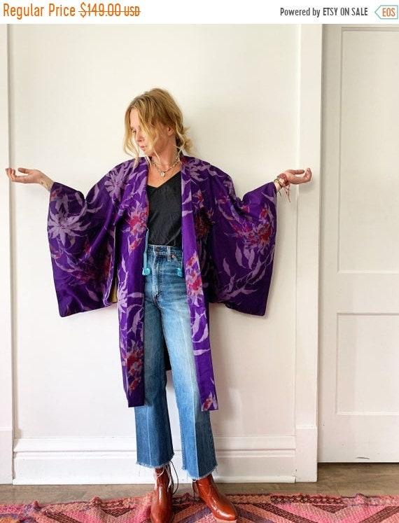 40% OFF SALE Vintage Silk Japanese Floral Kimono, Printed Silk Kimono , Layering Jacket