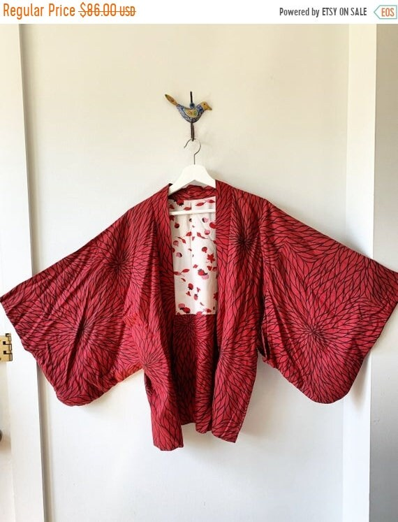 40% OFF SALE Vintage Japanese  Kimono,  Printed Kimono , Layering Jacket