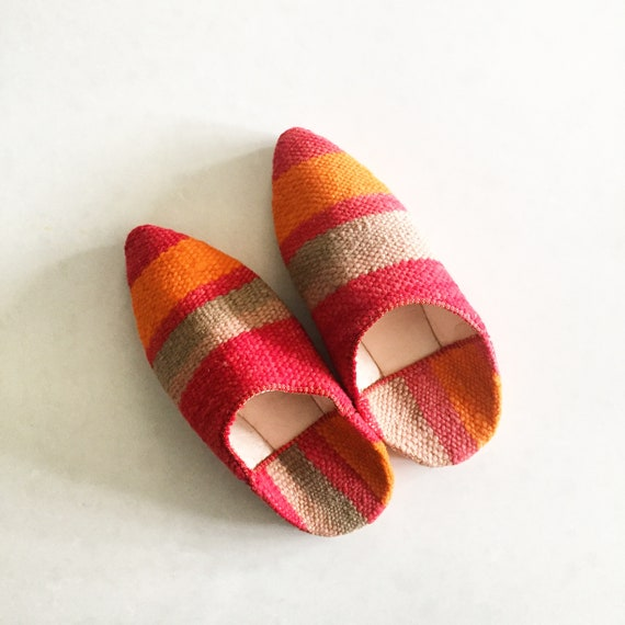 Moroccan Vintage Kilim Slides , Kilim Slip on Shoes , Ethnic Slippers , Carpet Shoes