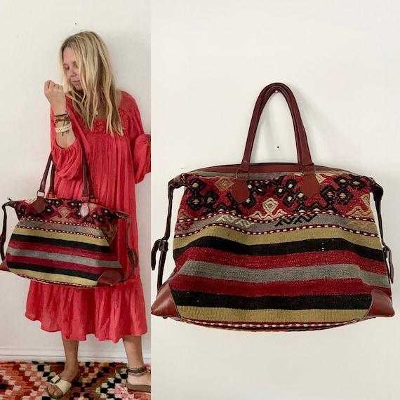 Vintage Turkish Kilim Bag, Ethnic Carpet Purse, Oversize Kilim weekender , Kilim Travel Bag