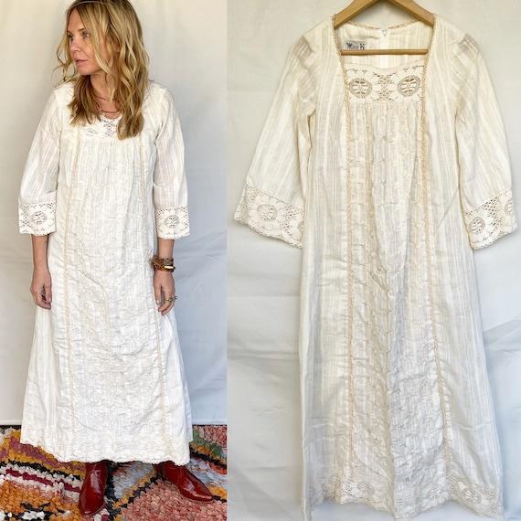 Vintage Embroidered Gauze Laced Kaftan , Prairie Laced BOHO Dress , Embroidered White Dress