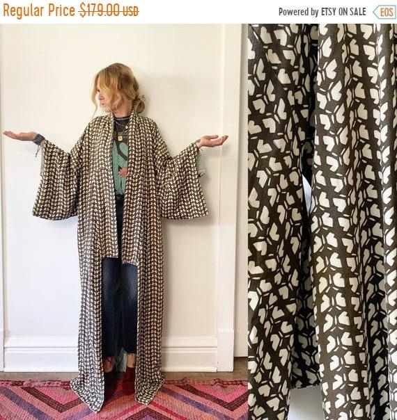 40% OFF SALE Vintage Japanese Raw Kimono , Maxi K , Pinted Kimono , Butterfly Print Kimono , Silk Butterfly Kimono