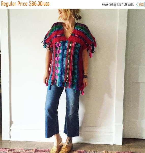 40% OFF SALE Vintage 70s Chunky Knit , Colorful Sweater Tunic , Fringed Sweater