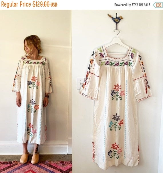 40% OFF SALE Vintage 70s Embroidered Mexican Dress, BOHO Hippie Caftan
